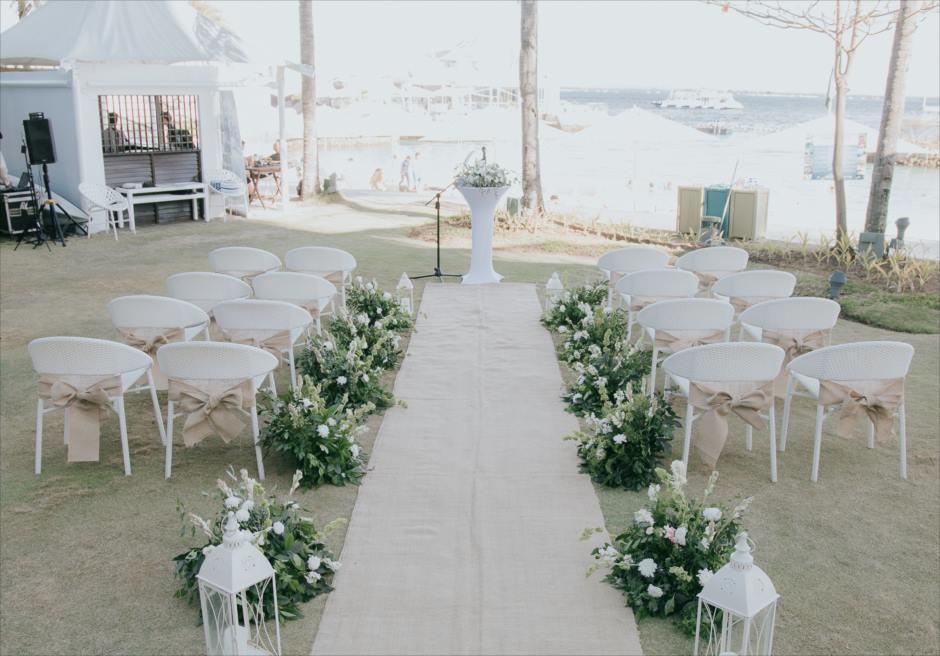 モーベンピック・ホテル・マクタン・アイランド・セブの海見えの会場で挙式風フォト