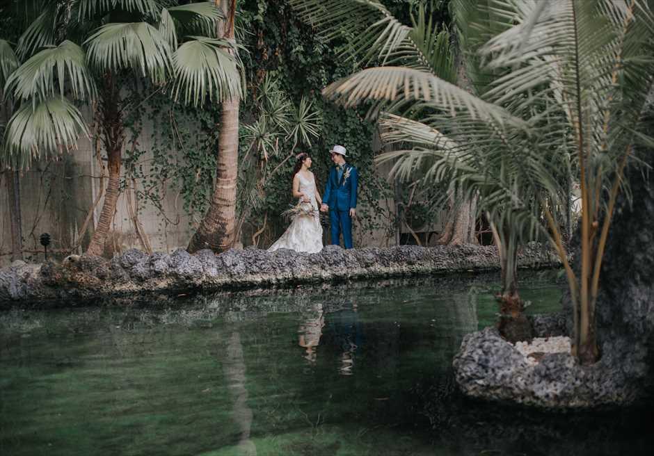 ブルーウォーター・マリバゴのガーデンでセブ挙式前の写真撮影