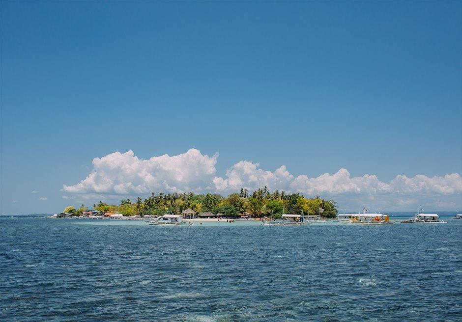 ボートから見るセブのカオハガン島全景