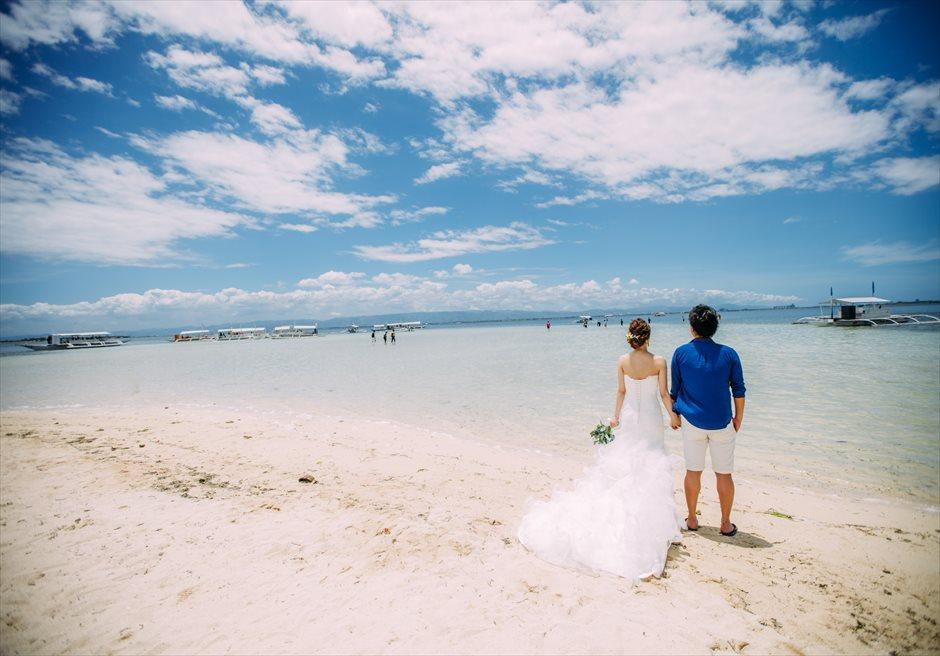 セブの離島カオハガン島で青いビーチと理想の前撮り撮影