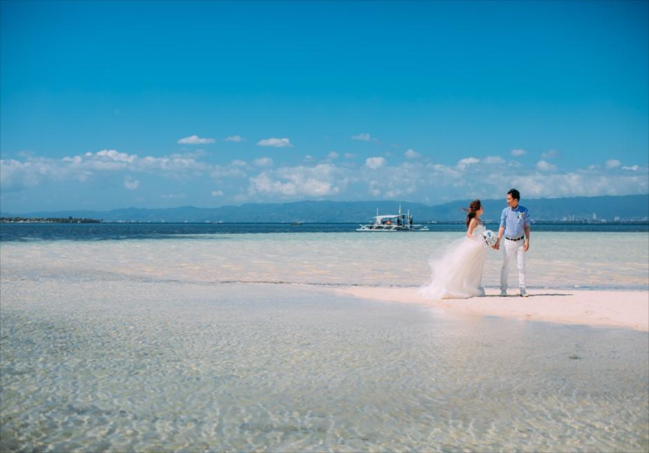 セブのマクタン島からカオハガン島に移動して離島ならではの広くてきれいなビーチで前撮り