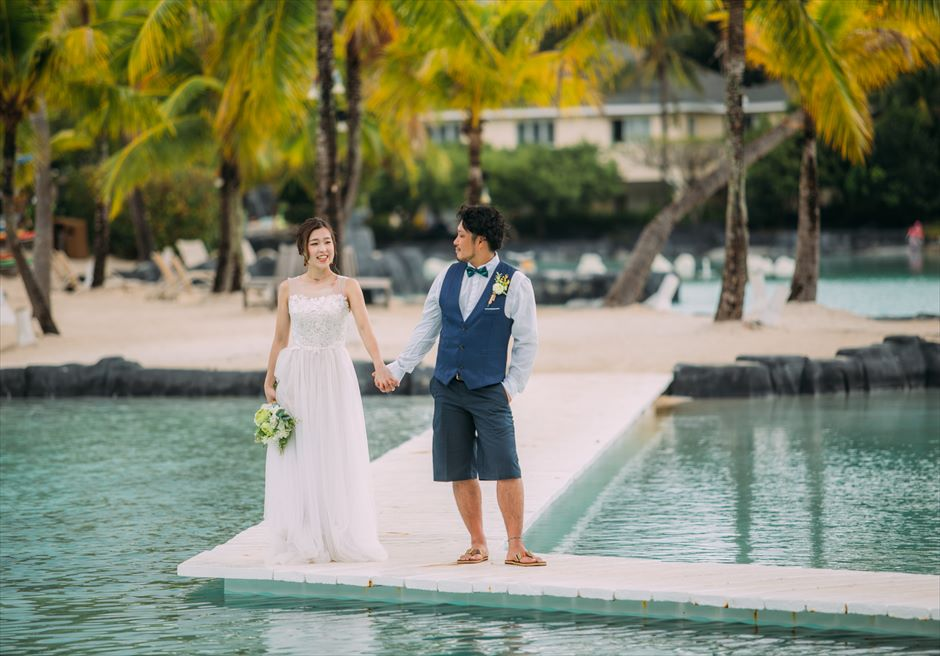 プランテーション・ベイのラグーンで結婚式前撮り
