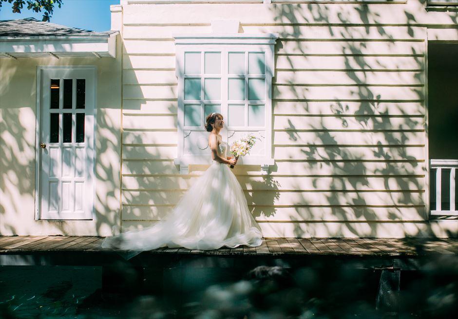 プランテーション・ベイで影を利用した新婦様の美しいソロ・ショット