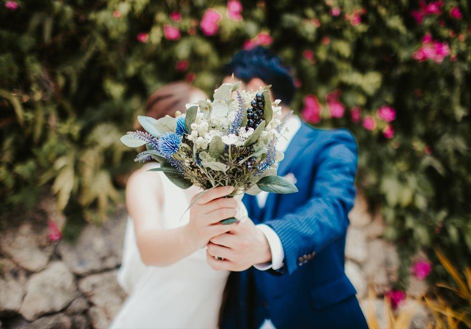 シャングリラ・マクタンで南国の花がかわいいカップル・フォト