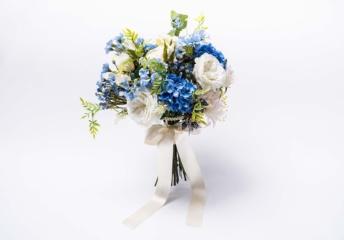 セブ島フォトウェディングでサムシングブルーの造花ブーケ