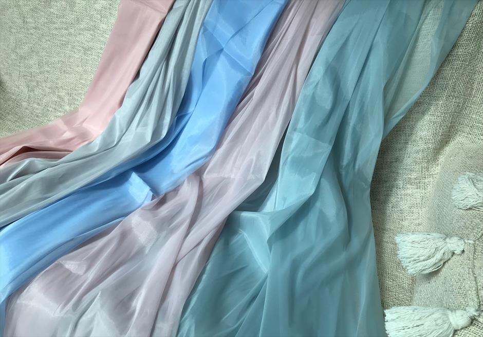 セブ島前撮りではウェディングドレスの印象を変えるくすみカラーのサッシュベルトが人気
