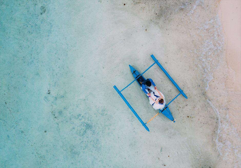 セブ離島ウェディングフォトをボートでアイデア・フォト