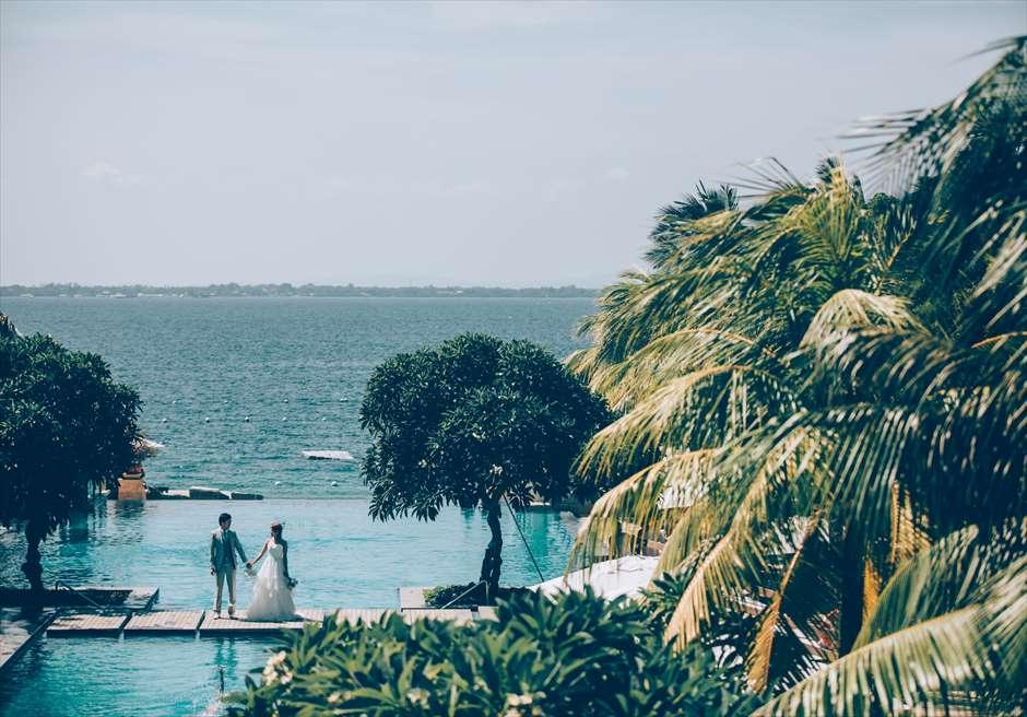 セブ島 前撮り撮影 クリムゾン・マクタンのインフィニティプールで撮影