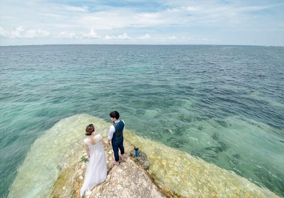 セブの美しいビーチをバックにエンゲージメント・フォト撮影も可能